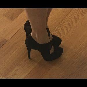 Jessica Simpson black suede heels